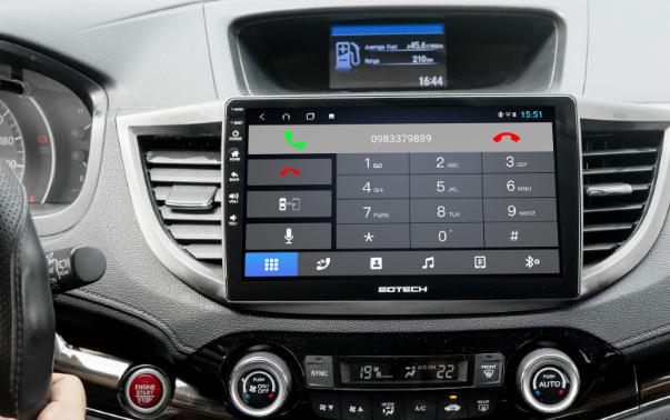 Kết nối điện thoại với màn hình ô tô